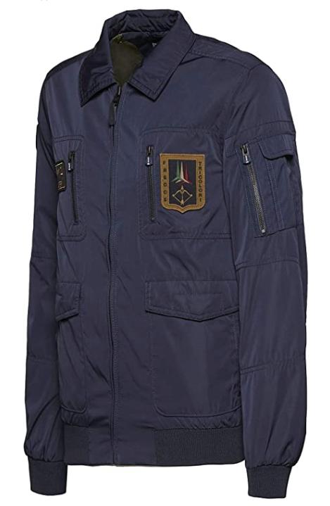I giubbotti volo piloti Frecce Tricolori Aeronautica Militare Italiana pilota aviatore aviatori giacca giacche